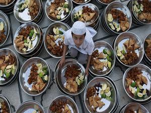 tradisi unik menyambut bulan ramadhan 1433 di berbagai negara